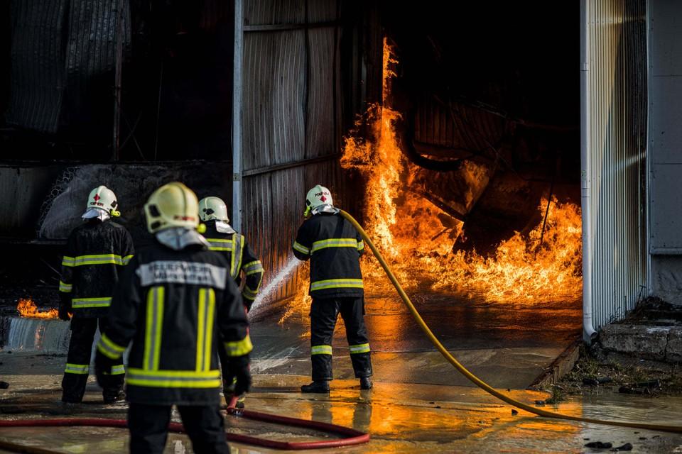 Огонь мог выйти из-под контроля (Фото: Егор Тетюшев).