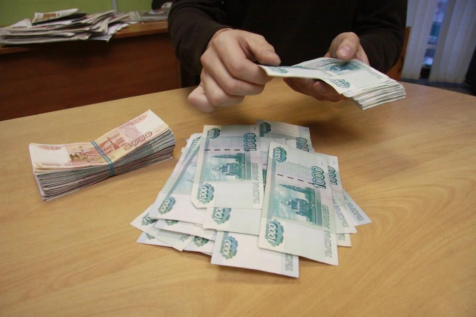 Среднемесячная заработная плата в Алтайском крае в февраль 2021 года составила 28 952 рубля