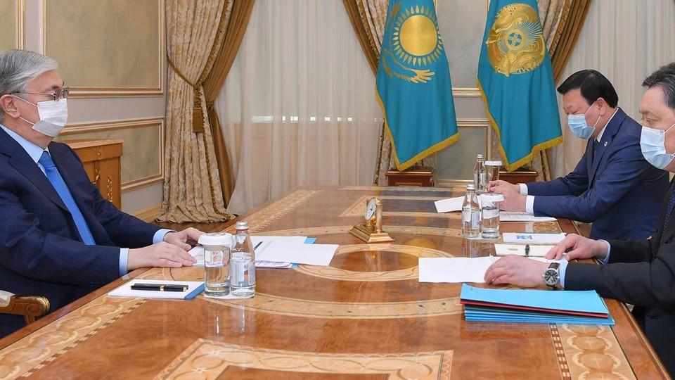 Касым-Жомарт Токаев провел встречу с Аскаром Маминым и Алексеем Цоем