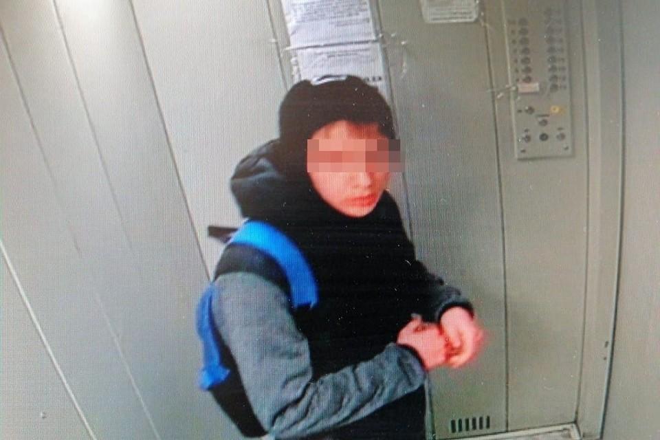 Неизвестный нападает на девочек в Заельцовском районе города. Фото предоставлено источником в правоохранительных органах.