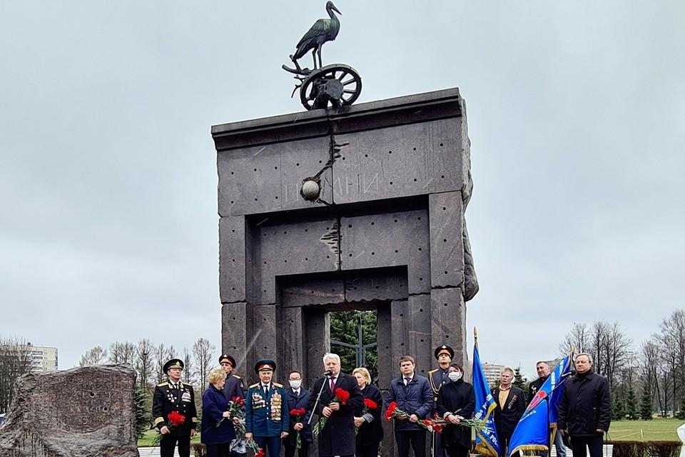 Аллею в честь ликвидаторов-чернобыльцев заложили в парке Сахарова. Фото: gov.spb.ru