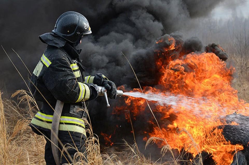 Работа огнеборцев всегда была трудной и опасной, она входит в десятку наиболее рискованных специальностей.