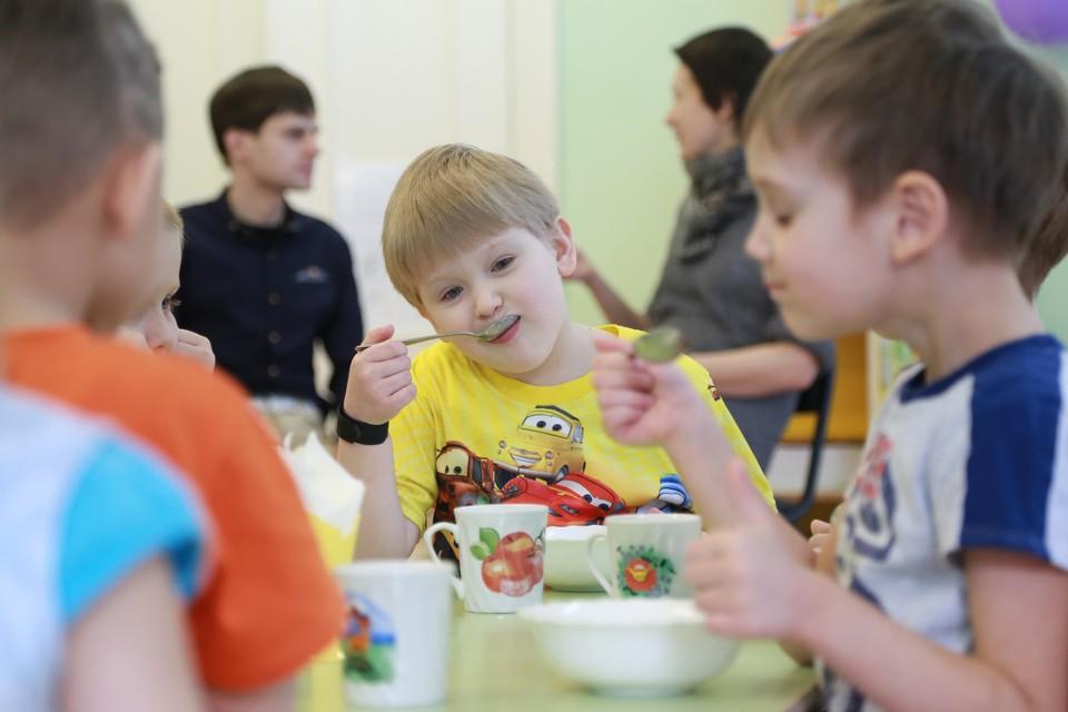 В минобрнауки Кузбасса рассказали, почему детсады будут работать в праздники.