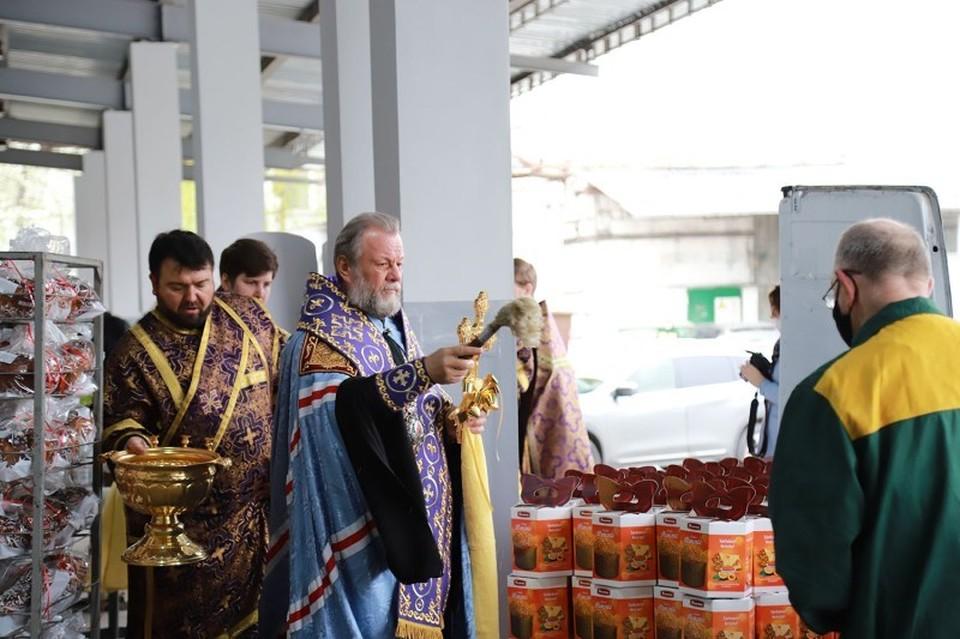 Franzeluta организовала церемонию освящения пасхальной продукции Митрополитом Кишинёва и всея Молдовы Владимиром.