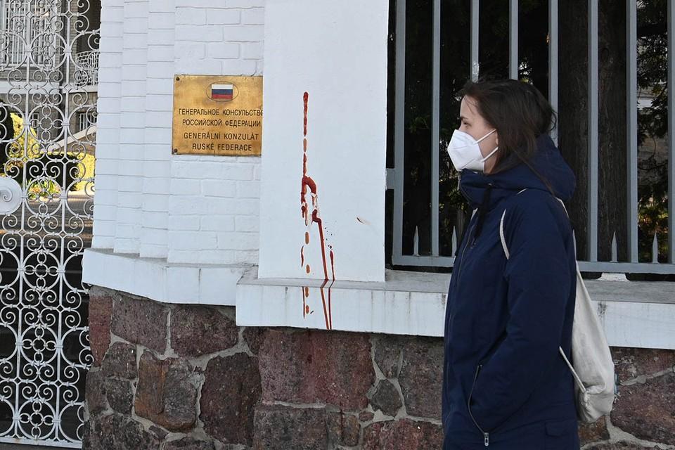 Богемист Вадим Трухачев рассказал «КП», как Москве реагировать на русофобские выходки Праги