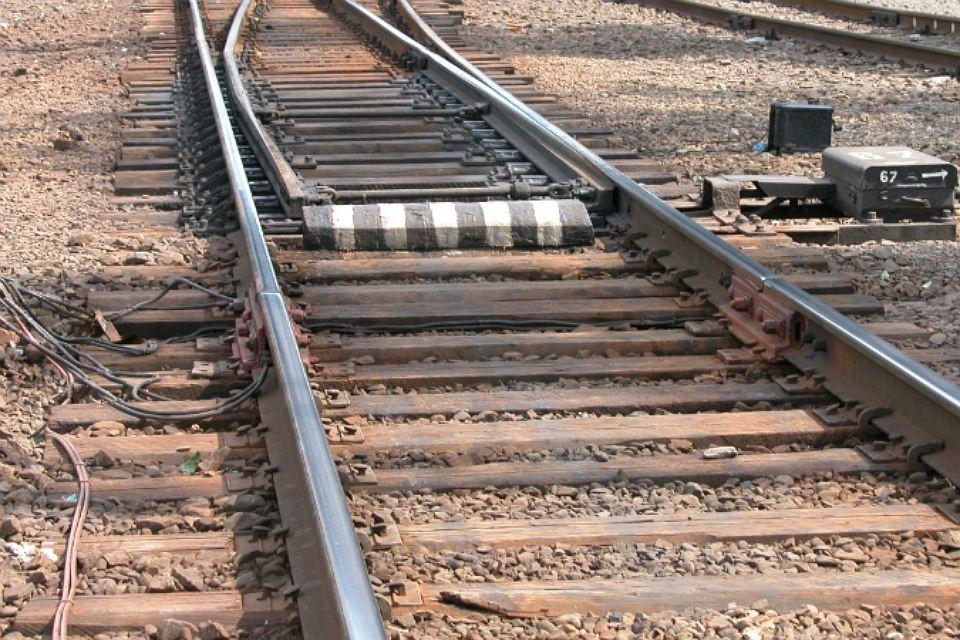 Двух подростков сняли с грузового поезда в Иркутске