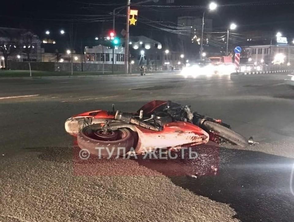 В центре Тулы разбился мотоциклист