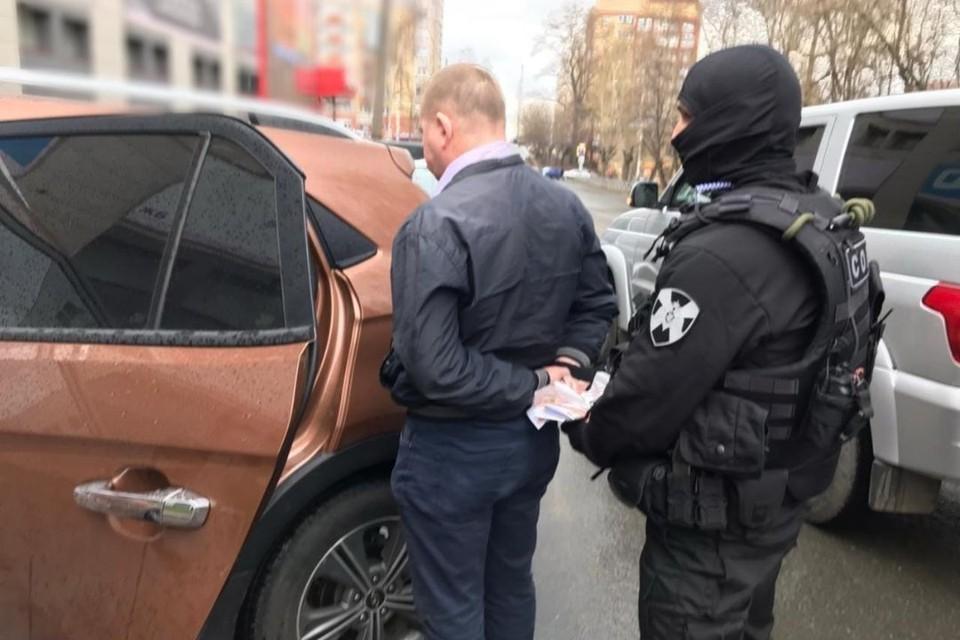 28 апреля при передаче части денежных средств адвокат был задержан. Фото: kirov.sledcom.ru
