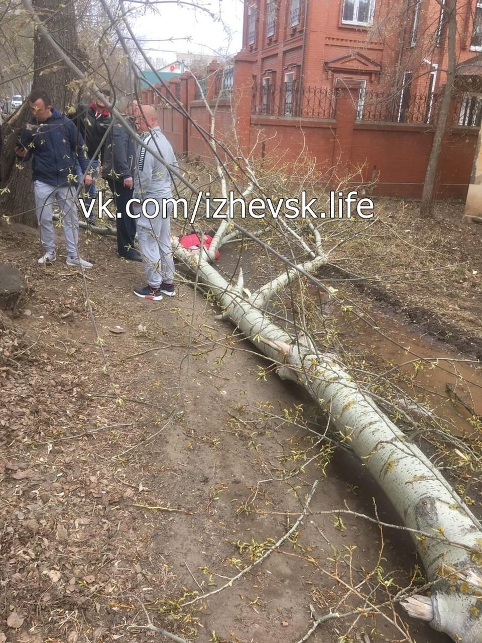 75-летнюю жительницу Ижевска доставили в больницу