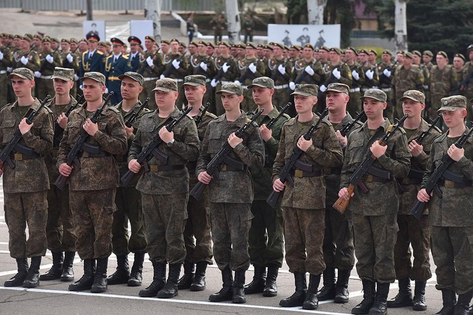 Новобранцы Народной милиции ДНР дали присягу на верность Родине. Фото: пресс-служба Главы ДНР