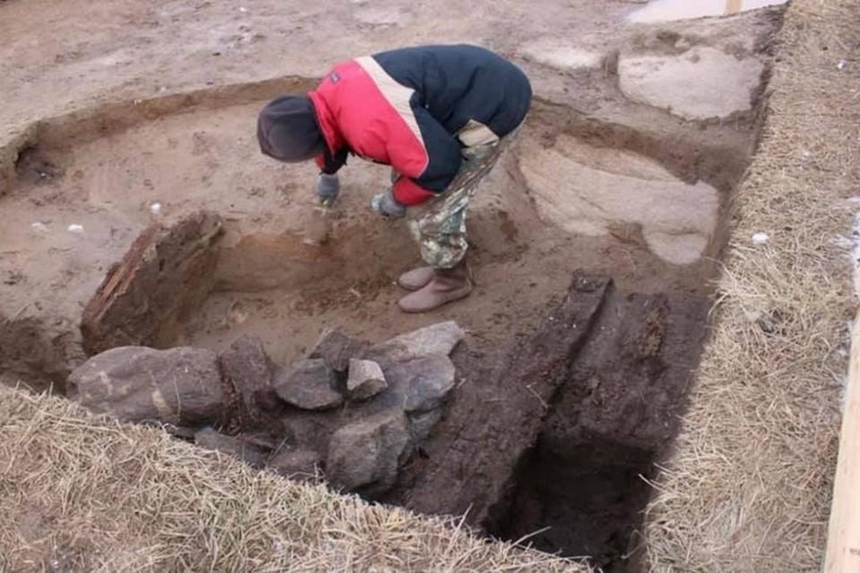 В Красноярском крае мостостроители нашли артефакты неолита и железного века. Фото: страница в Фейсбуке Константина Димитрова