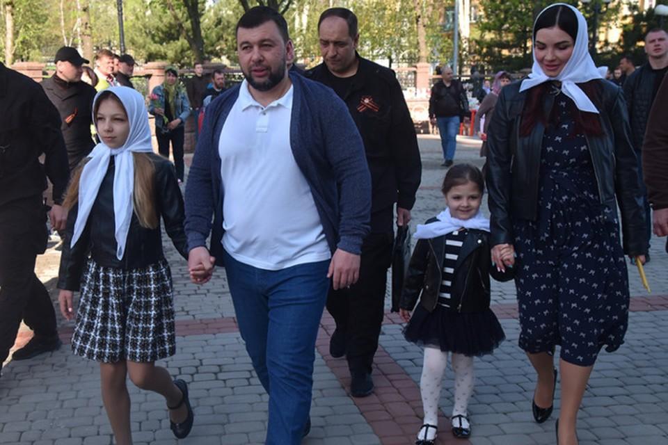 На Пасху Денис Пушилин с семьей посетил храм Петра и Февронии. Фото: denis-pushilin.ru
