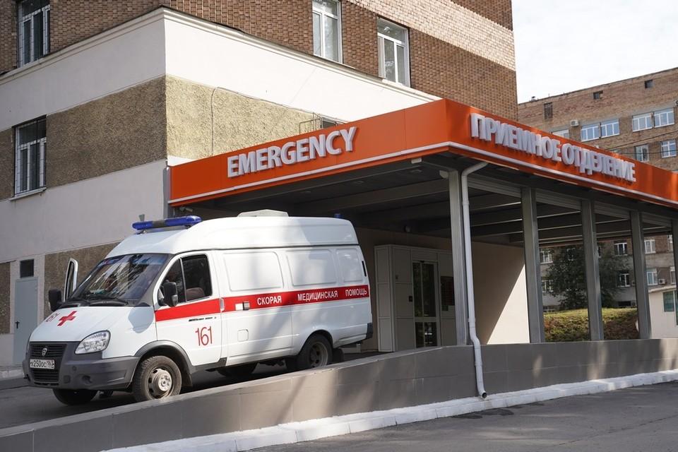 Выпав из окна, она встала, отряхнулась, взяла документы и поехала в больницу проверять, все ли кости целы