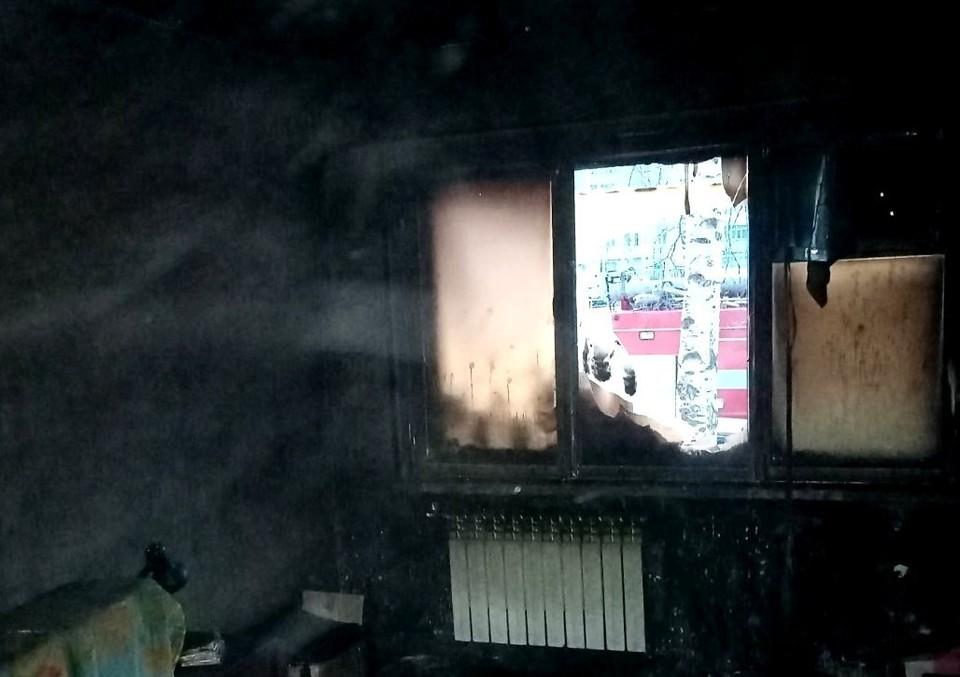 В Нижневартовске спасли 11 человек на пожаре Фото: ГУ МЧС России по ХМАО-Югре