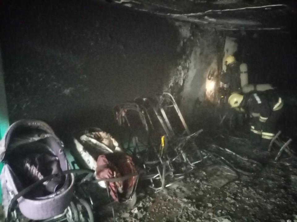 В Надыме загорелась колясочная: пострадавших нет Фото: ГУ МЧС России по ХМАО-Югре