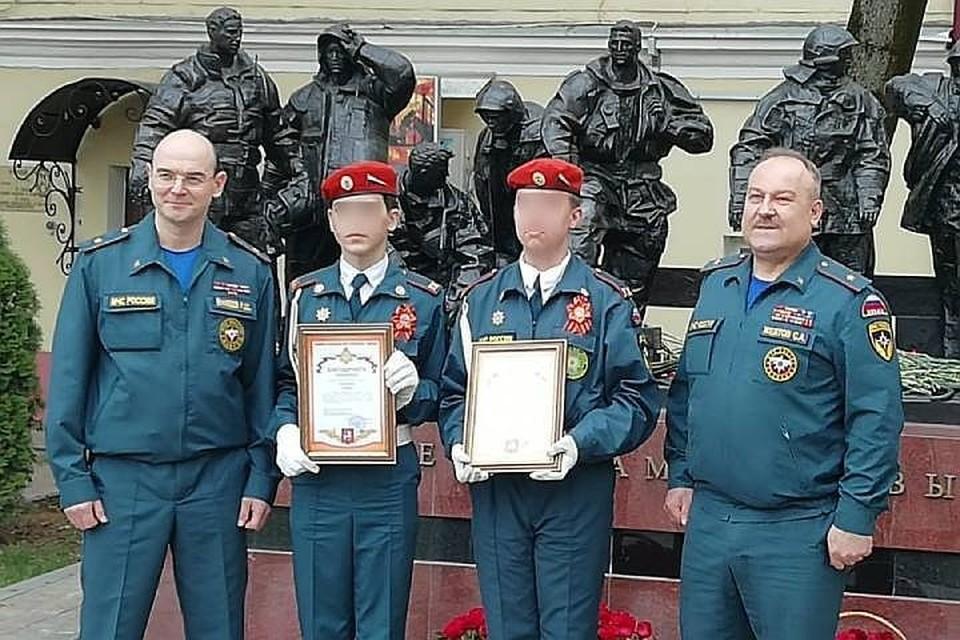 Кадетам из Братска, спасшим на пожаре в столичной гостинице 14 детей, вручили благодарности МЧС России
