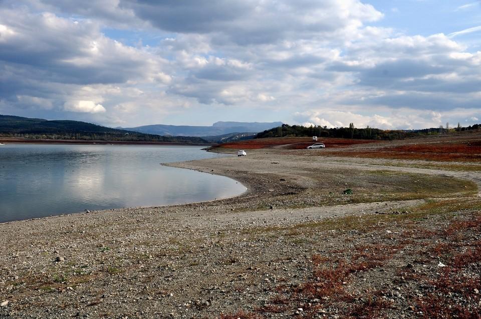 В начале апреля под Азовским морем ученые начали разведку пресных запасов воды.