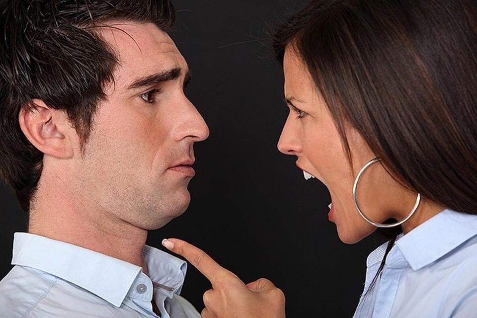 До окончания бракоразводного процесса супругам придется говорить друг с другом уважительно