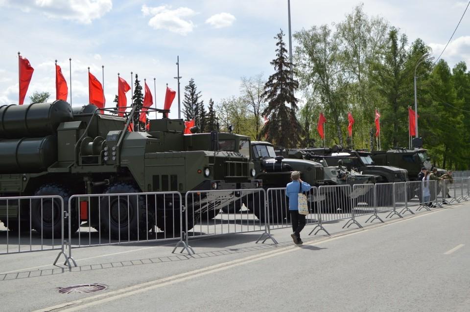 В Самаре работает выставка военной техники