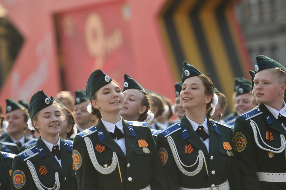 Перед 9 мая в Екатеринбурге прошло несколько репетиций парада.