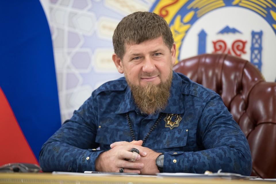 Напомним, на днях во время одного из прямых эфиров главы Чечни, пользователей сети с «левого» аккаунта написал Кадырову: «Ты не человек, ты просто – шайтан»