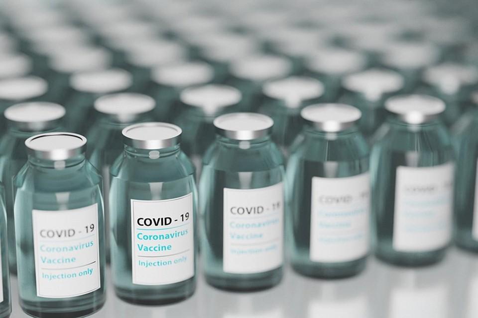 Ученые раскрыли загадку образования тромбов из-за вакцин AstraZeneca и J&J. Фото: pixabay