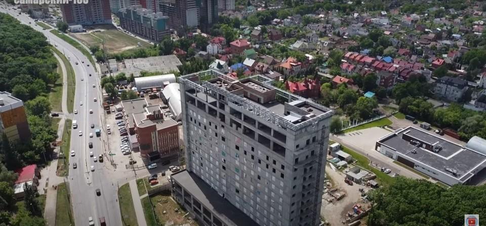 Недостроенный отель попал на видео. Фото: скриншот видео