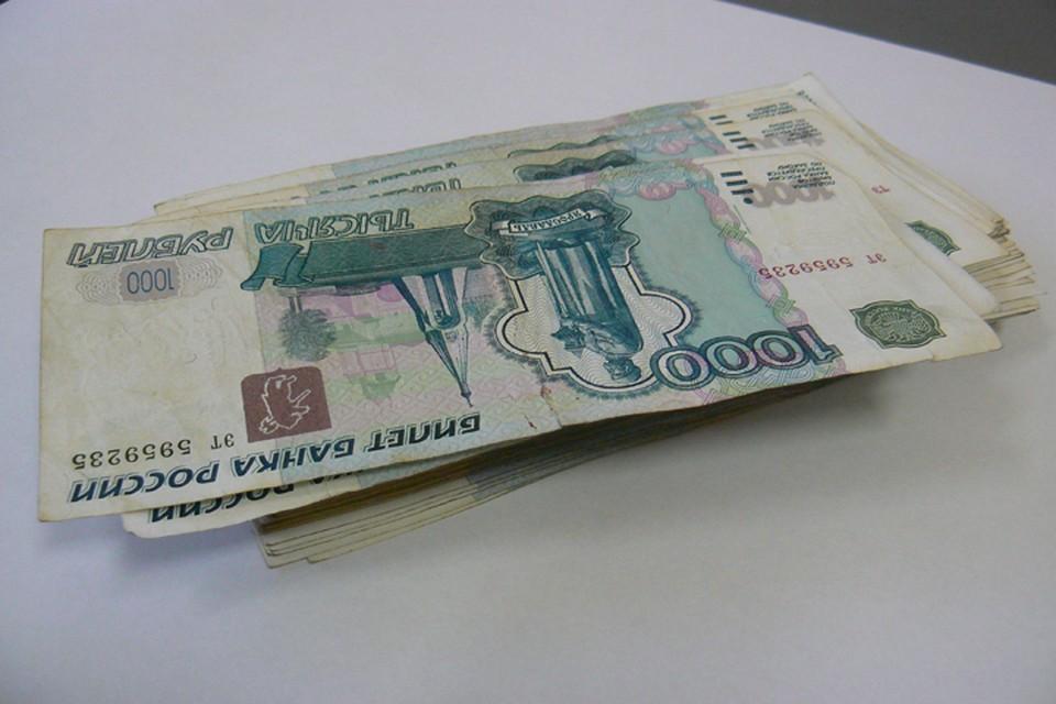 Заместитель губернатора Брянской области Николай Щеглов в прошлом году заработал 6,144 миллиона рублей.