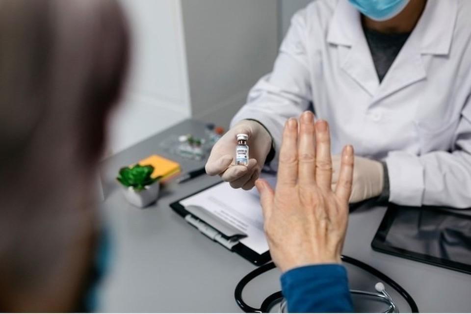 Многие в Молдове отказываются прививаться вакциной AstraZeneca. Фото: соцсети