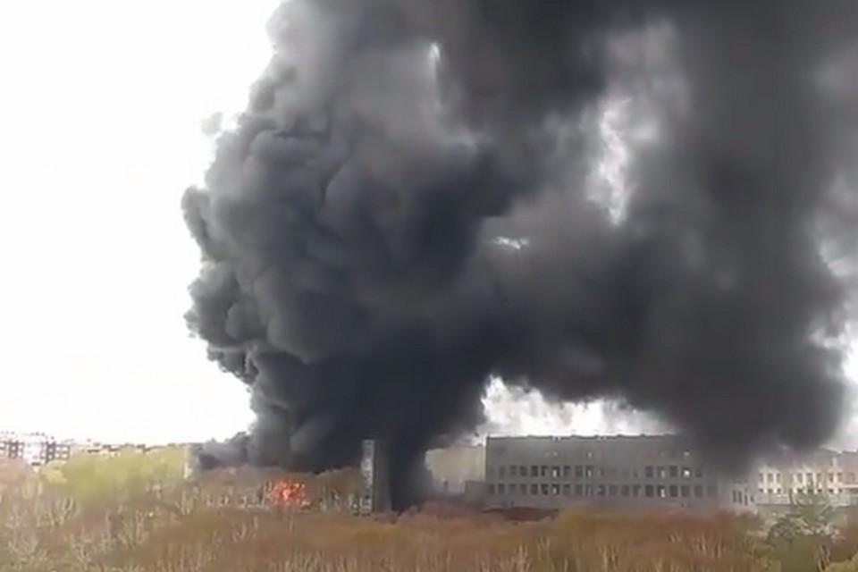 Причина возникновения пожара - пока неизвестна.