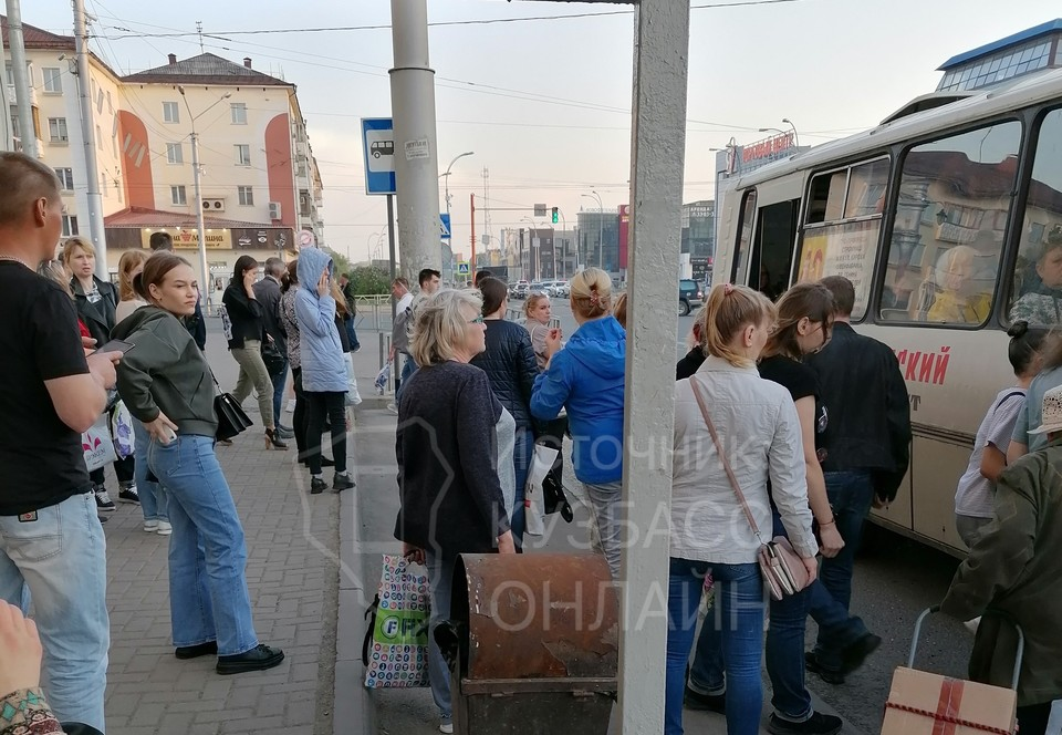 Запустят дополнительные автобусы до одного из районов Кемерова. Фото: «Кузбасс Онлайн».