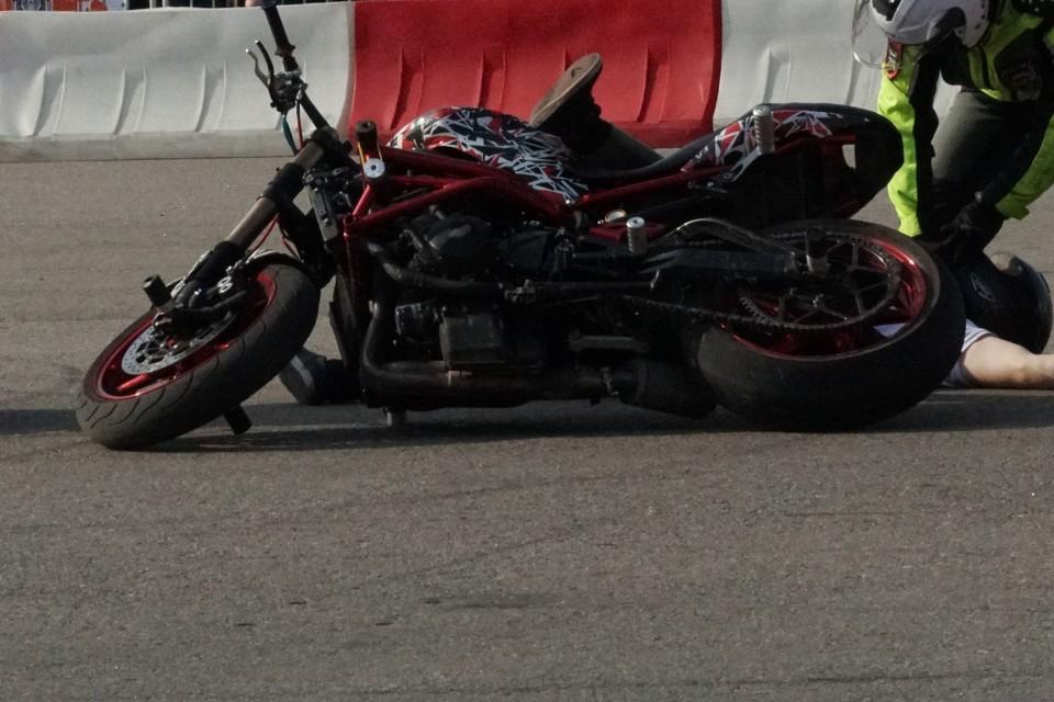 15-летний подросток упал с мотоцикла на высокой скорости в Заларинском районе