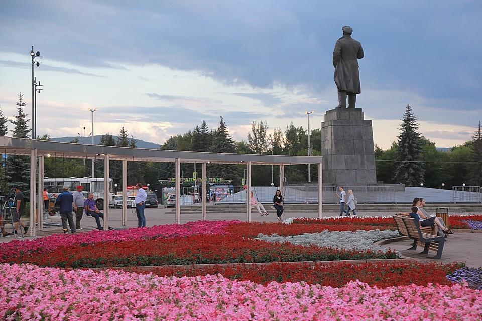 Последние новости Красноярска на 1 июня 2021: развлекательная программа на пешеходном проспекте Мира, спасение ребенка полицейскими и прогноз погоды на июнь