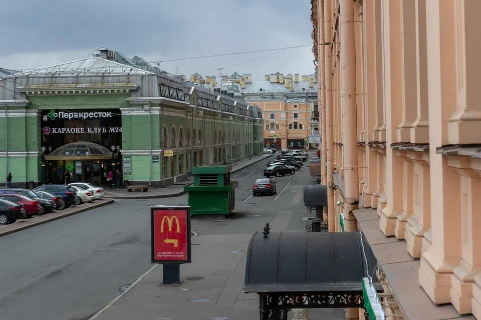 В Петербурге посетительница главной барной улицы пожаловалась на изнасилование.