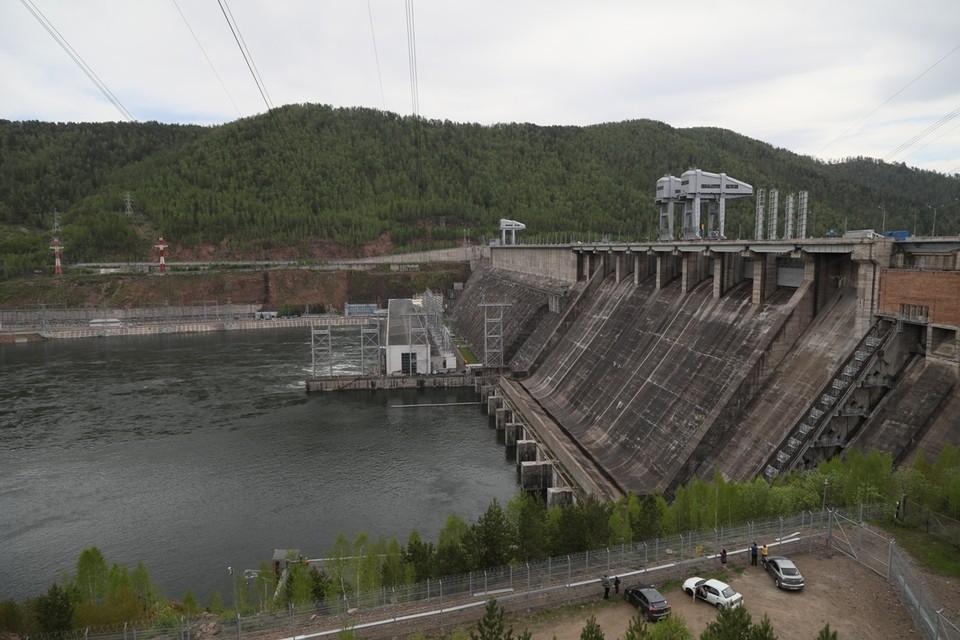 График сброса воды на Красноярской ГЭС 2-4 июня 2021