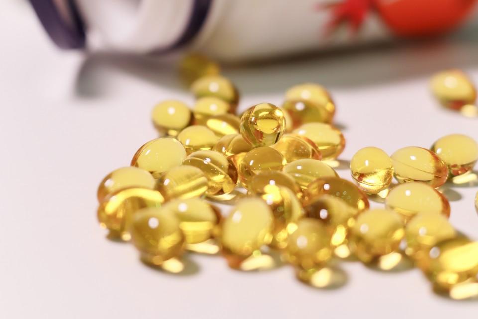 Врач советует принимать поливитамины, содержащие витамины D3, а также нежирные кислоты