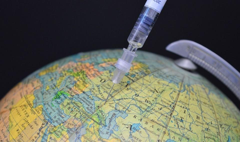 Уже семь стран Евросоюза начали выпускать электронные сертификаты вакцинации. Фото: соцсети