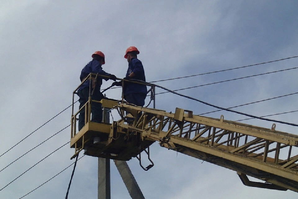 В большинстве населенных пунктов электроснабжение уже восстановлено. Фото: mintek-dnr.ru