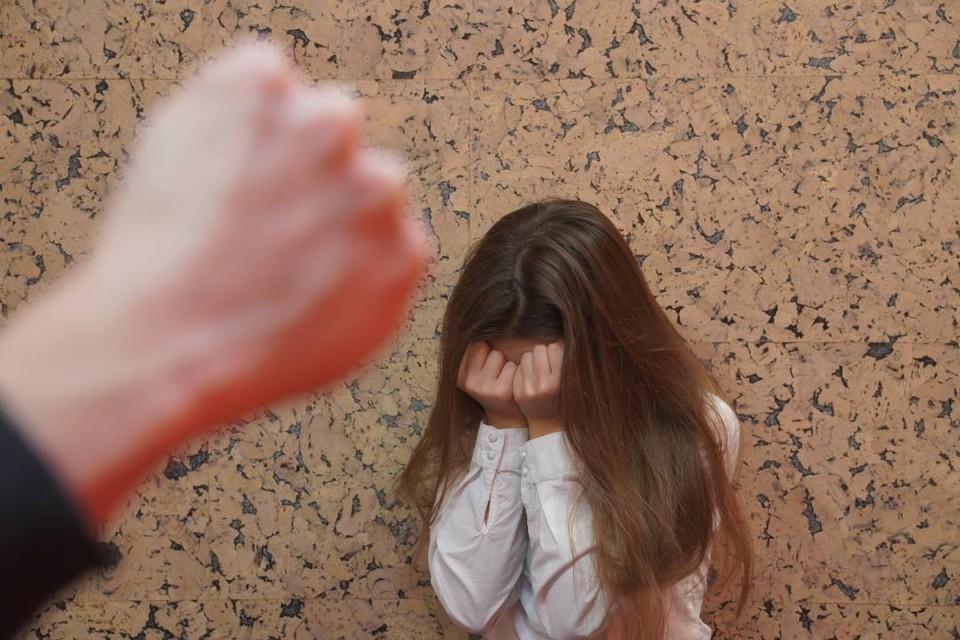 Случаев истязания детей в семьях, к сожалению, тоже немало.