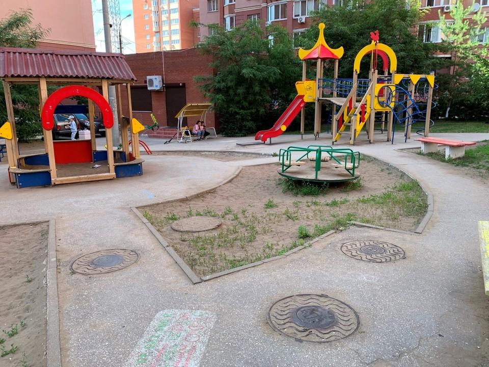 В Самаре детские площадки ставят на сетях