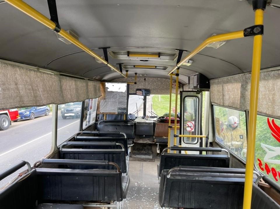 Два пассажира автобуса пострадали