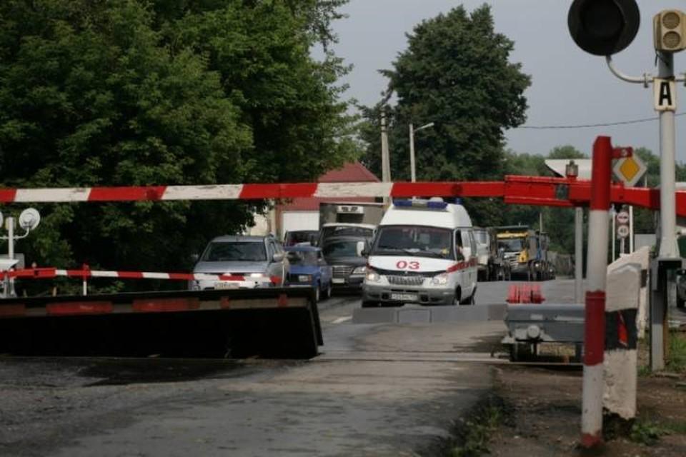Кировских автомобилистов в связи с перекрытием переезда просят заранее продумать свой маршрут