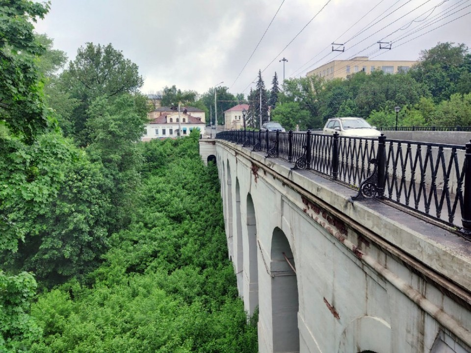 Один из главных символов Калуги - Каменный мост.
