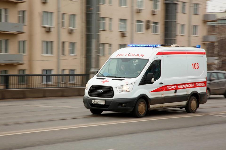 Школьника увезли в больницу с черепно-мозговой травмой и переломом лодыжки.