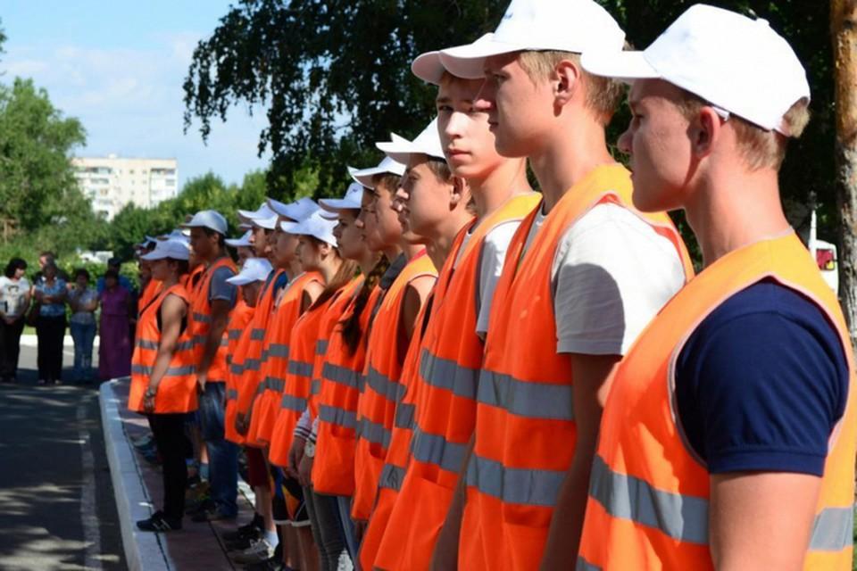 Несовершеннолетние могут работать по срочному трудовому договору