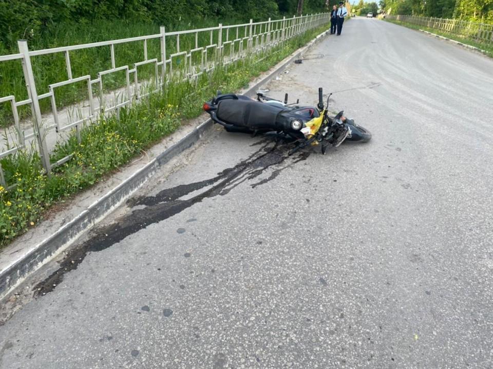 Ограждение, которое установили вдоль дороги, погубило молодого мужчину.