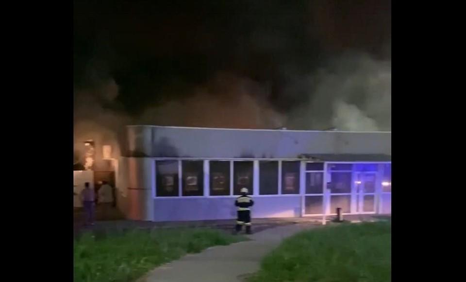 В ночь на 7 июня 2021 года в Рязани загорелось кафе «Навруз».