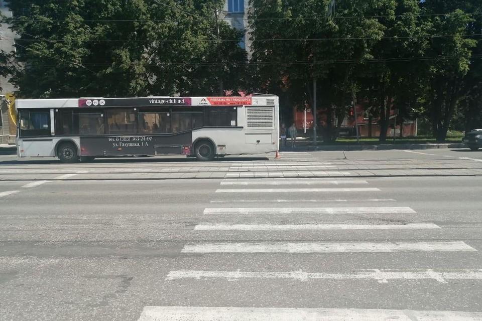 В Новосибирске пассажирский автобус сбил 9-летнего мальчика. Фото: Госавтоинспекция по Новосибирску