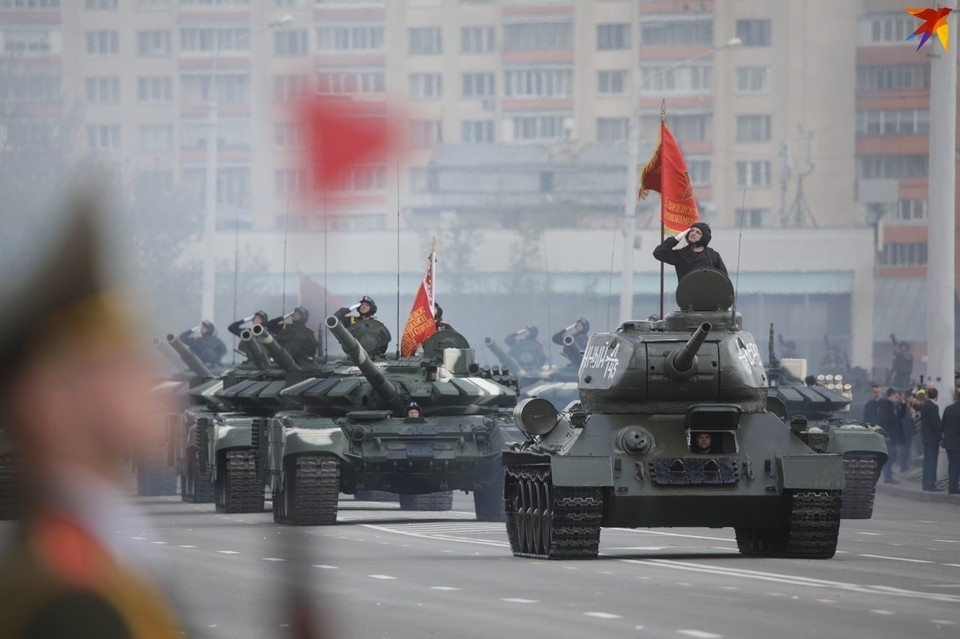Впервые за 22 года в Минске могут отменить военный парад?