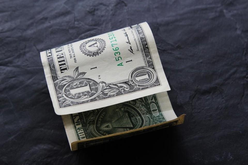 Доллар отыграл на утренней сессии торгов 0,92 тенге